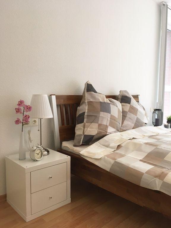 Ein sehr hübsch eingerichtetes Schlafzimmer! Die Wohnaccessoires - lampe für schlafzimmer