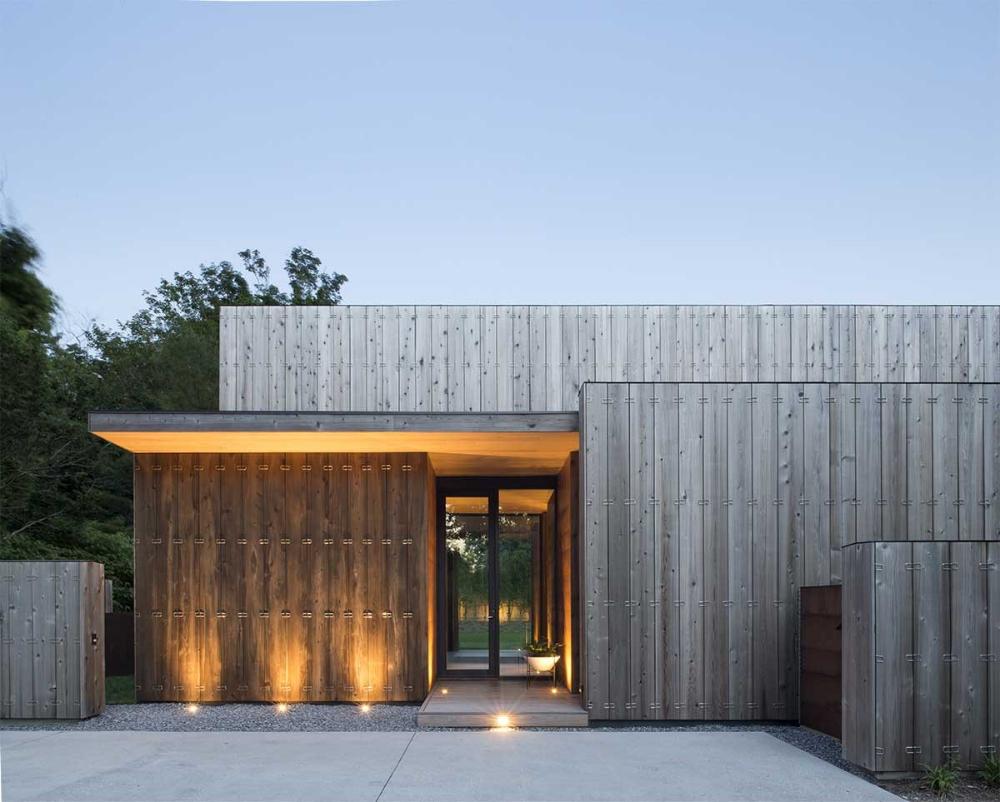 Get Inspired Vertical Cedar Siding Weyerhaeuser Architect Modern Architects Modern House Exterior