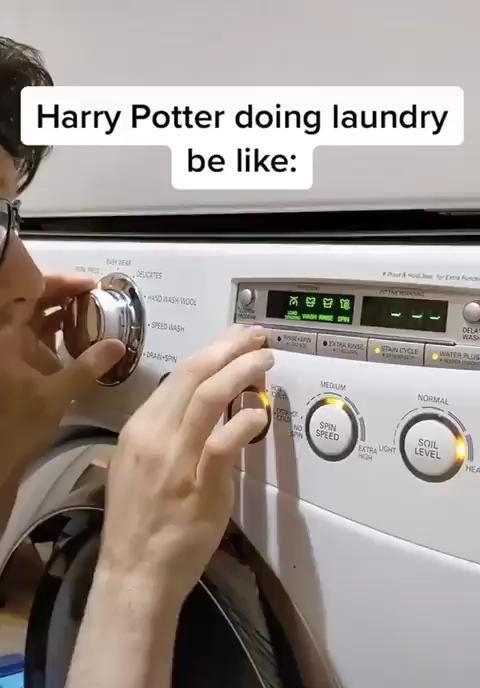 Photo of Harry Potter doing laundry be like: 🔥👍