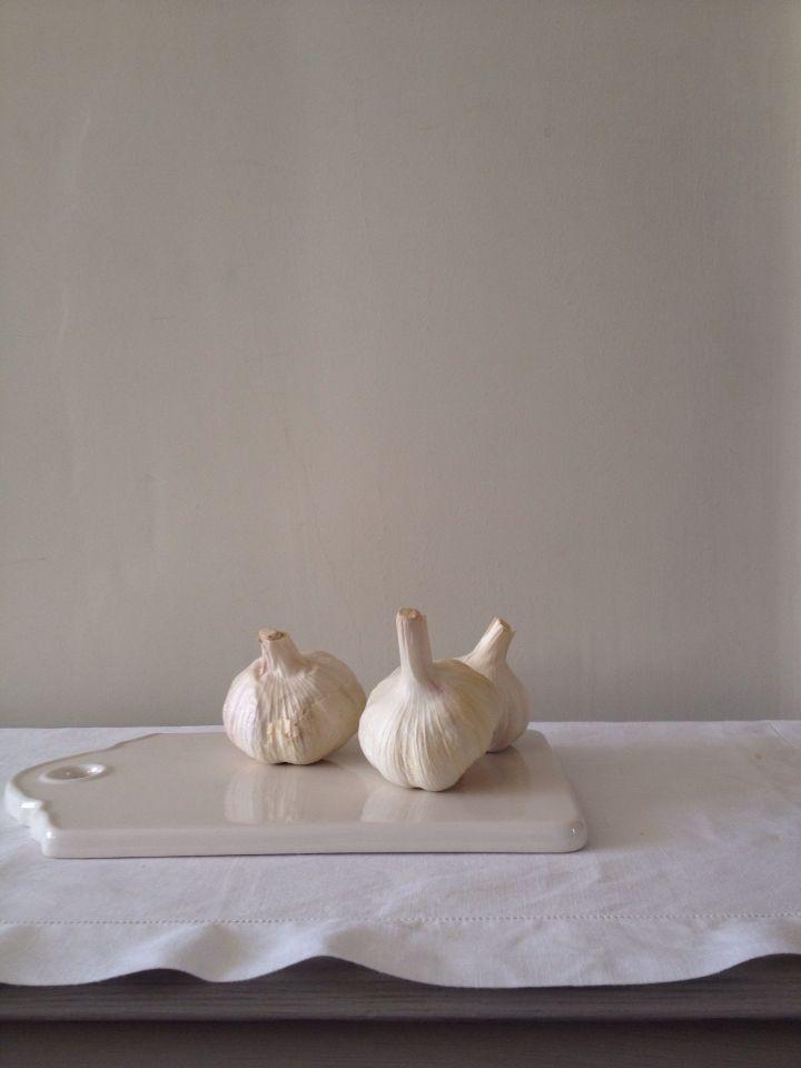garlic still life by Dawn Mead