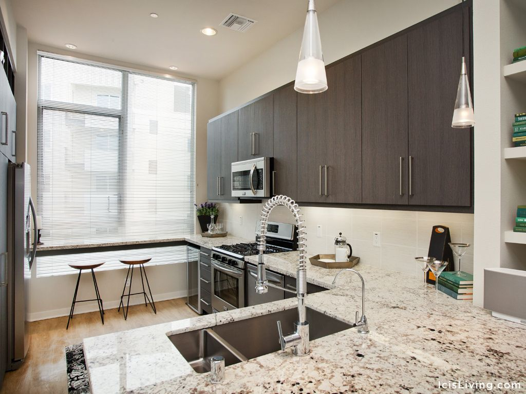 Icis Apartment Homes Sophisticated Residences With Exquisite Amenities Now Leasing In The Heart Of Glendale California Home Apartment Kitchen Little Italy