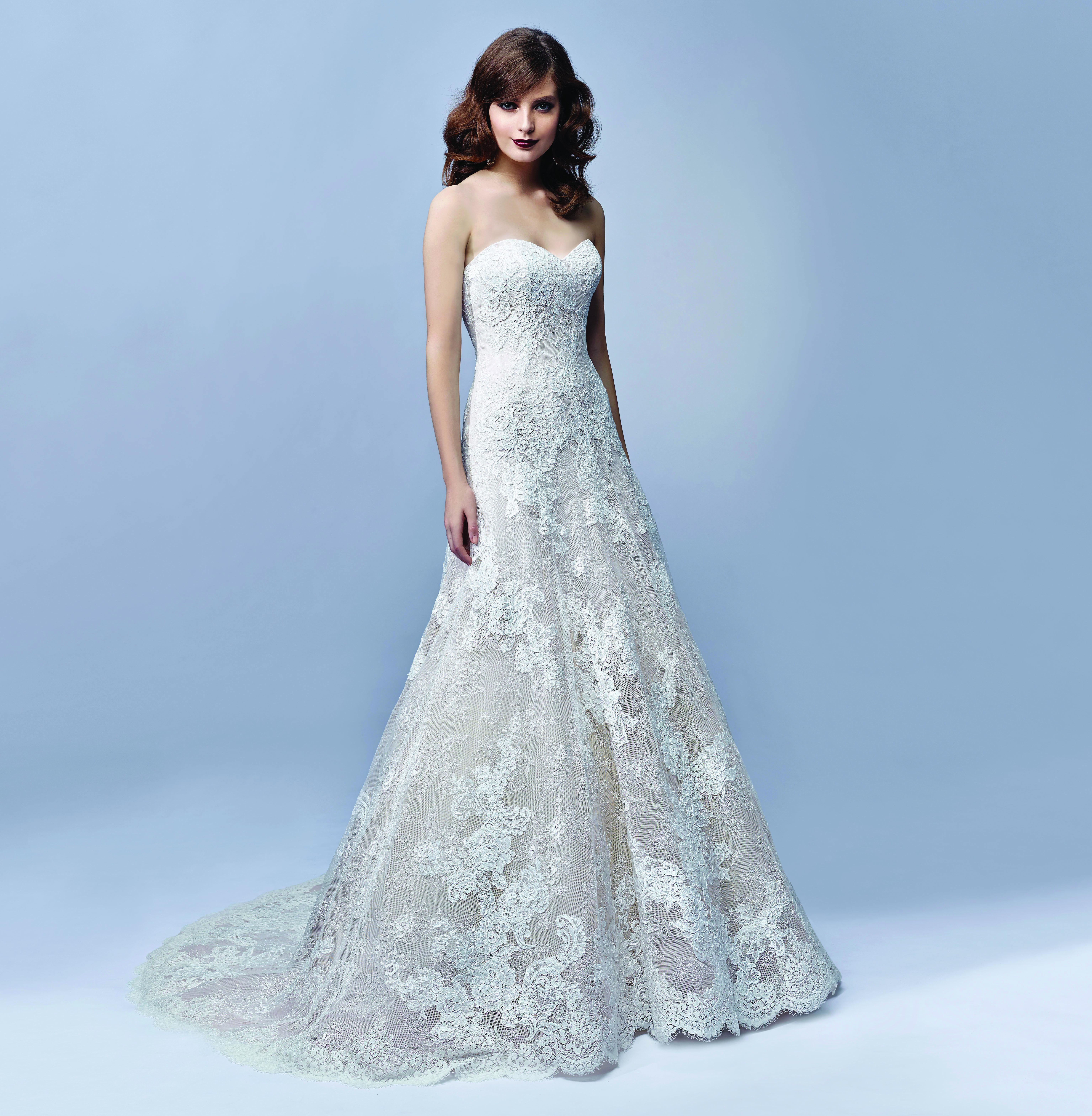 Sweetheart strapless wedding dress  Enzoani bridalwear Joy design from the Enzoani Blue  collection