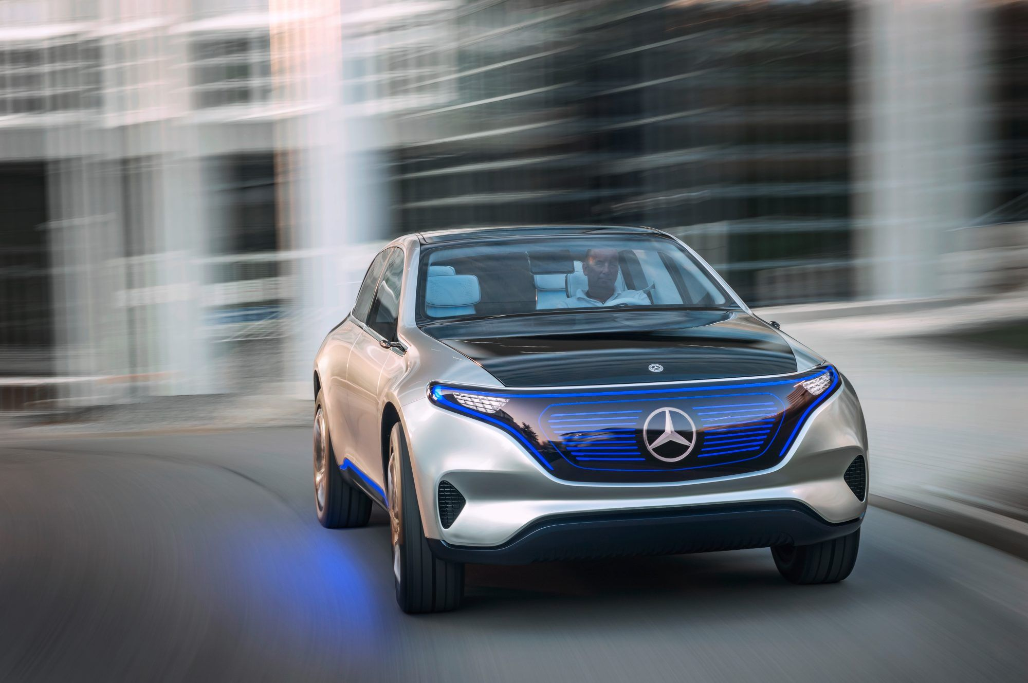 Daimler is investing $735 million in China's EV infrastructure | Car
