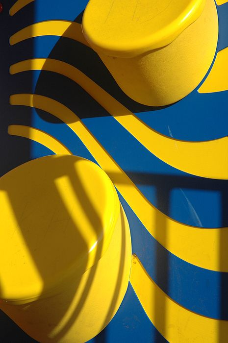 Swirls Of Fun By Mickie Boothroyd En 2020 Mellow Yellow Jaune Et Couleur