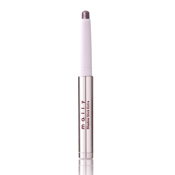 An easy way to add shimmer and shine to your look. Just apply our Evercolor Shadow Stick Extra with a flourish!