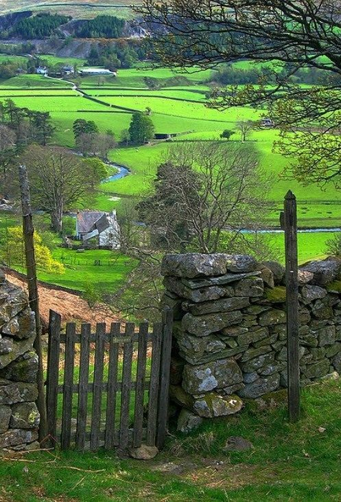 Country-Side-Liverpool-England