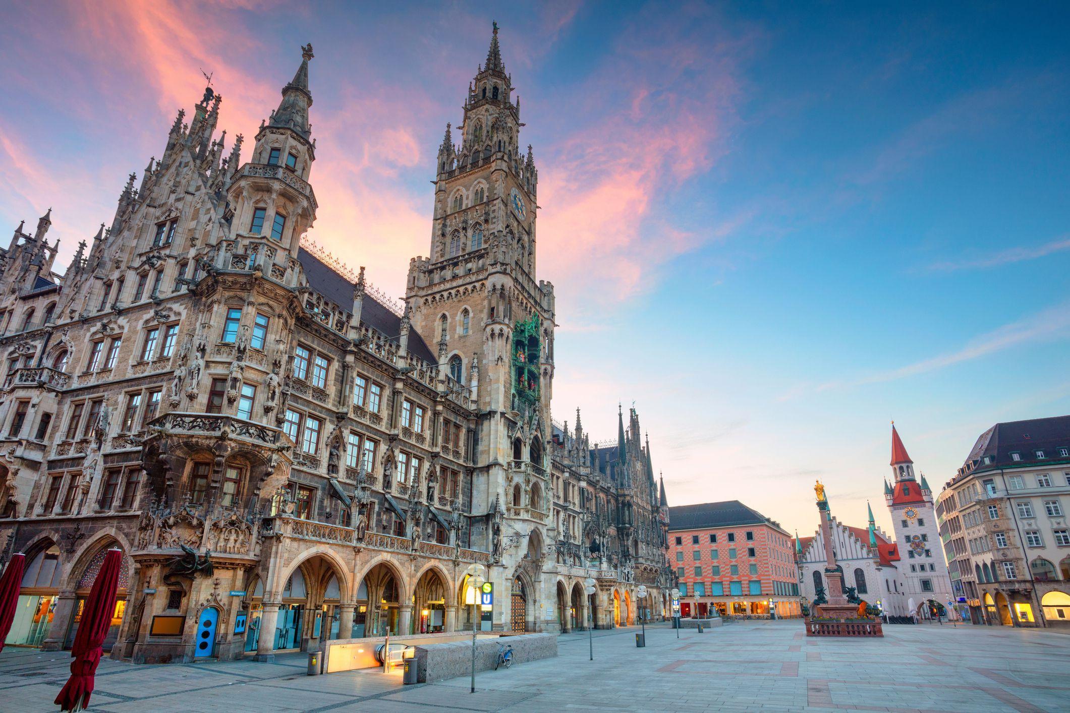 Marienplatz In Munich The Complete Safe Cities Visit Munich Cool Places To Visit