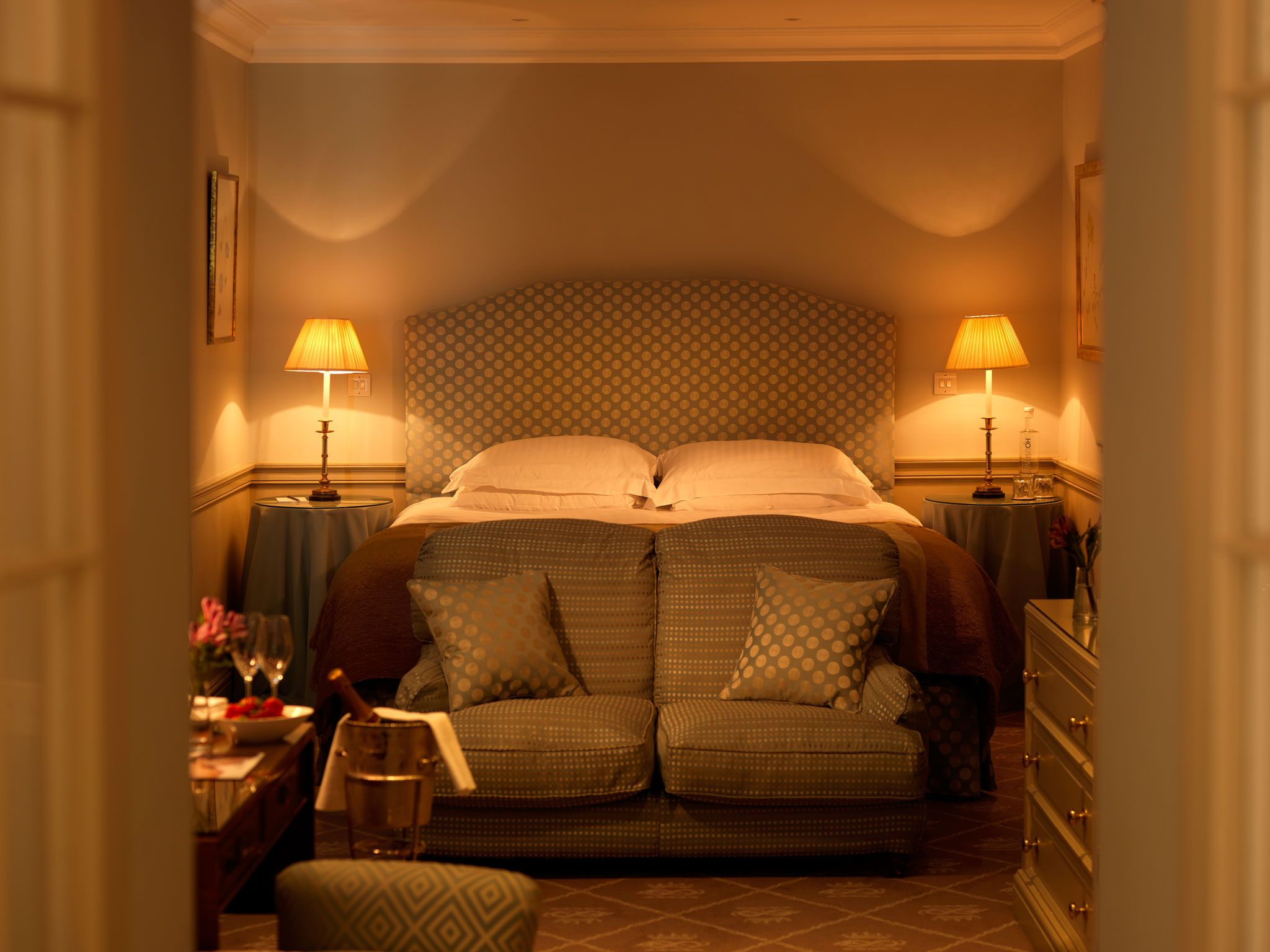 Indulge In Pure Luxury With That Special Someone This Valentine S Day Stay At The Devonshire