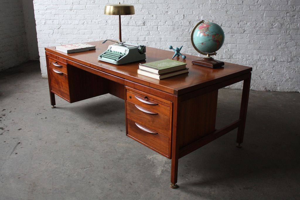 On Deckravishing Jens Risom Mid Century Modern Executive Desk