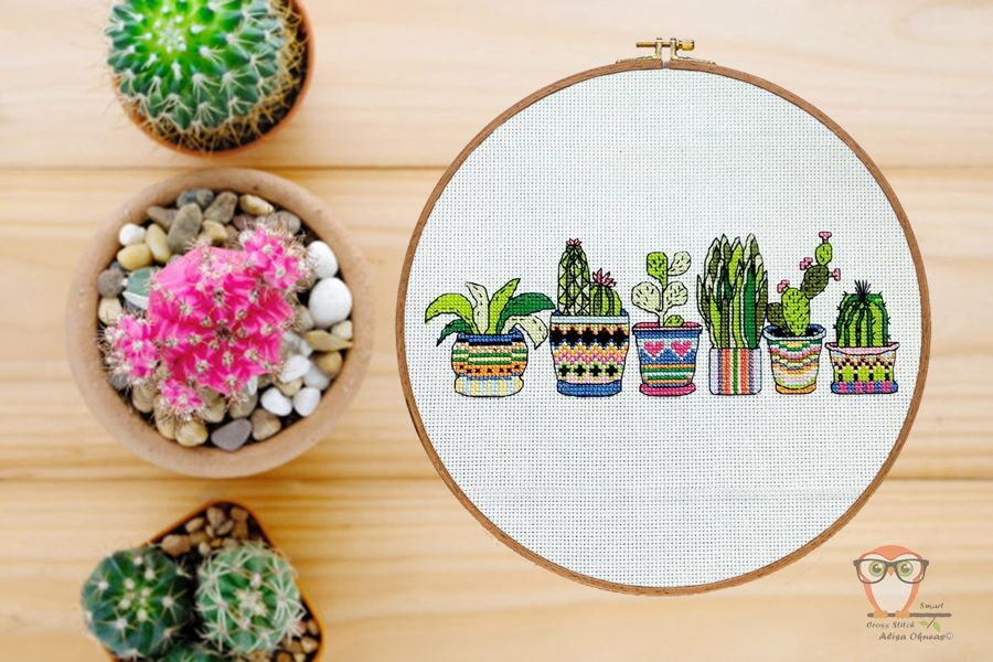 Hand embroidered T-shirt Small pot with lila plants