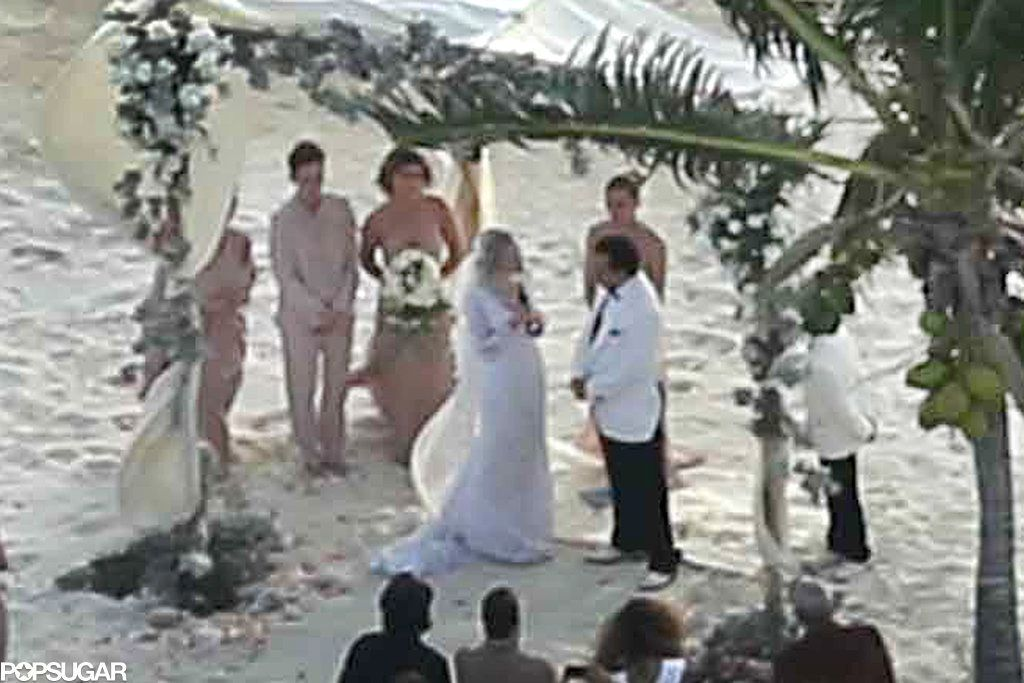 Johnny Depp And Amber Heard Tied The Knot On His Private Island See The Pics Johnny Depp And Amber Johnny Depp Amber Heard