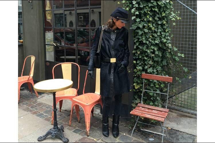 Hat, Vintage Lanvin. Taske, Lanvin. Pels, MI-NO-RO. Bælte, Laurence Doligé. Jeans, Reiko. Støvler, Givenchy.