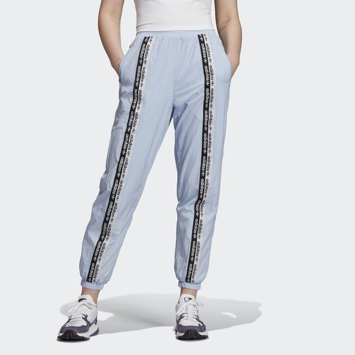 baby blue adidas joggers donna