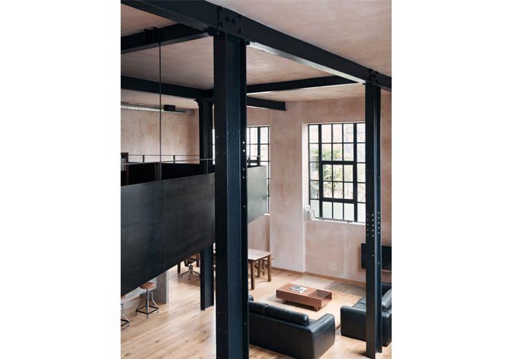 Clapton Warehouse . Sadie Snelson ArchitectsSadie Snelson Architects