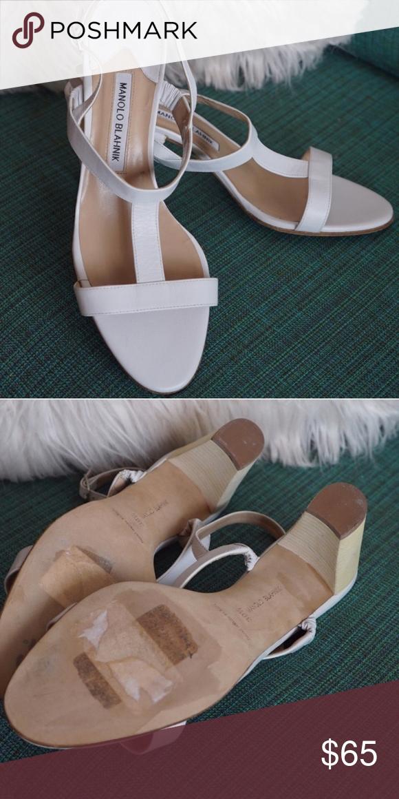 db3e81ed2764 Manolo Blhanik sandals Worn x1