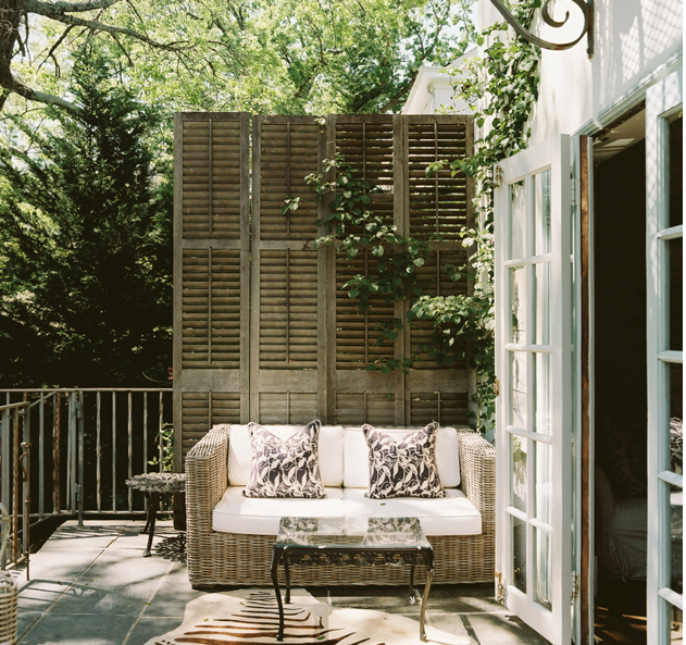 Home Decor 2012 Beautiful Home Gardens Designs Ideas: Divider Made Of Vintage Shutters + Proper Styling