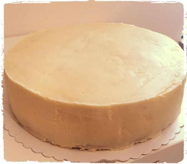 eine torte fondant tauglich machen ganache rezept rezepte pinterest kuchen fondant und. Black Bedroom Furniture Sets. Home Design Ideas