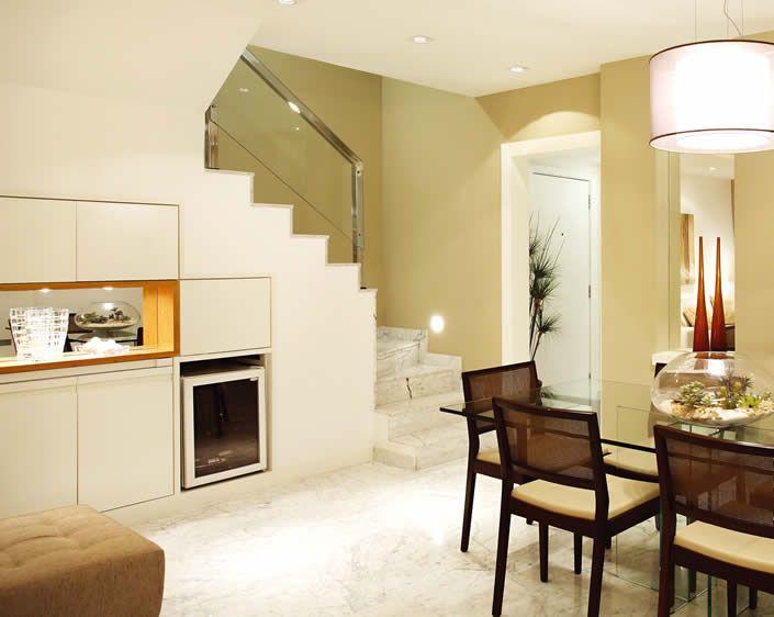 sala com escada e cozinha americana - Pesquisa Google | Ideias para a