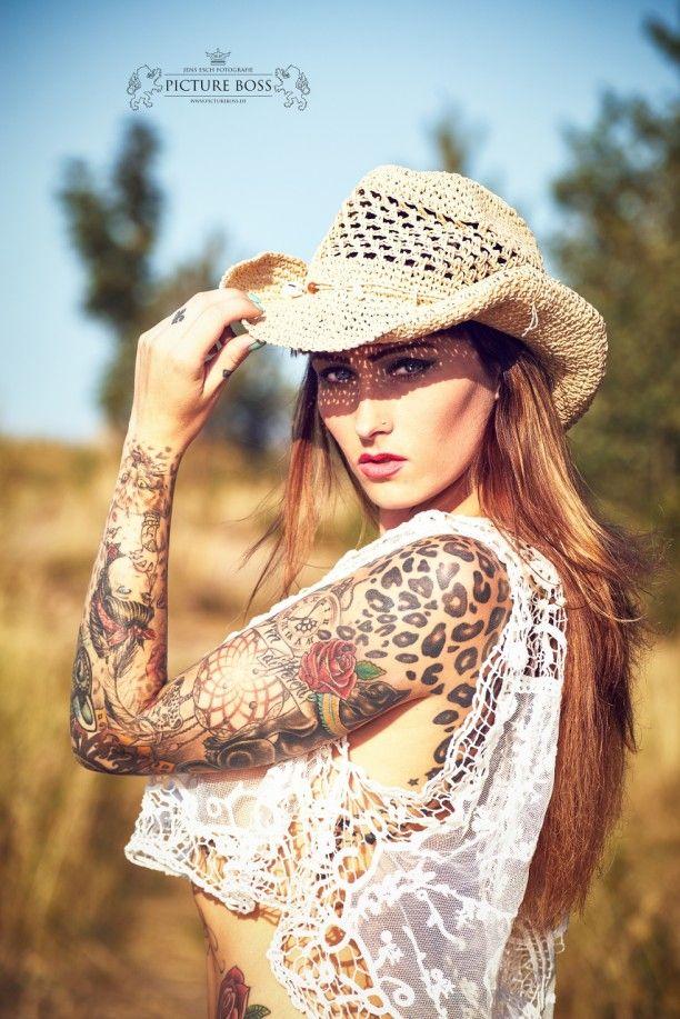 InkedGirls - Inked girl Wildcat country | Inked girls, Hot