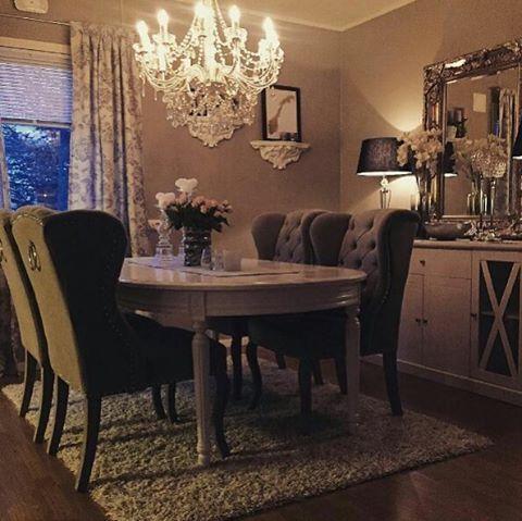 "234 Likes, 4 Comments - Classic Living (@classicliving) on Instagram: ""Nydelig hos  #@melissachristelle  #louisvingestol fra @classicliving på plass ✨ #interior…"""