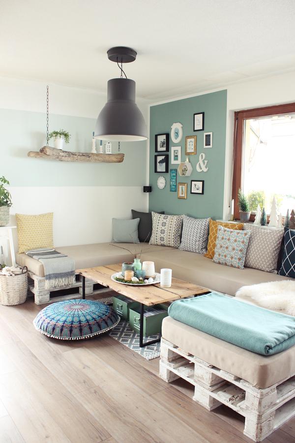 Wohnzimmer, Palettencouch, DIY, Couchtisch, Bilderwand