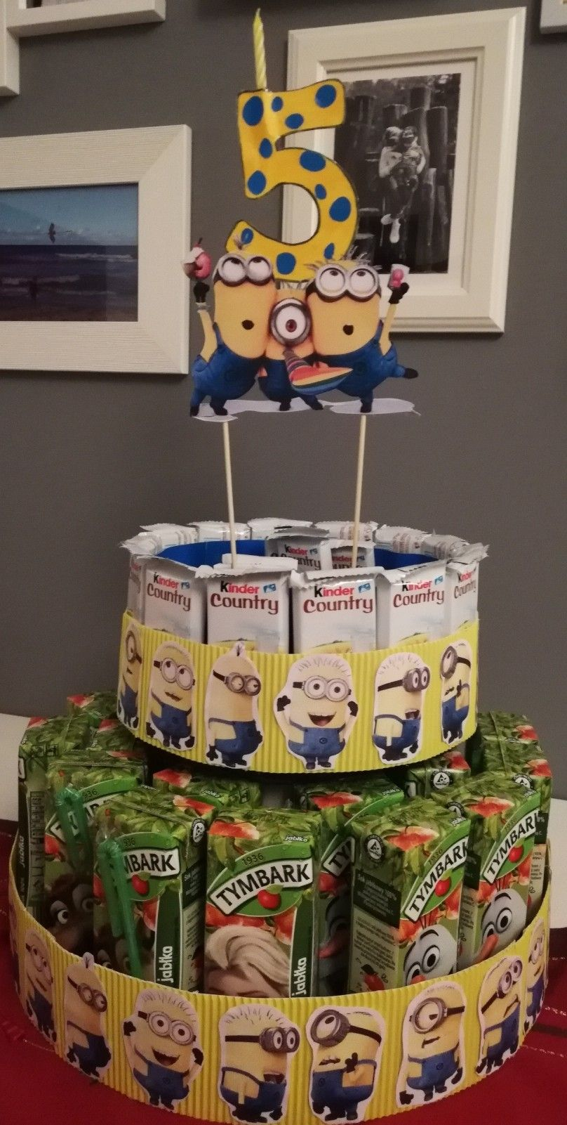 Tort Urodzinowy Ze Slodyczy Minionki Zadza 5 Urodziny Cake Diaper Cake Kinder