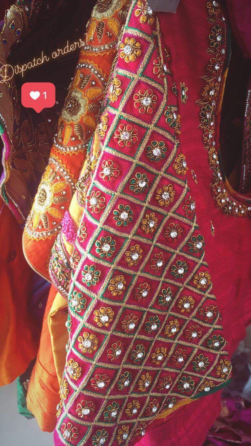 Pin By Manisha Gokhale On Clothes Embroidered Blouse Designs Simple Blouse Designs Blouse Work Designs