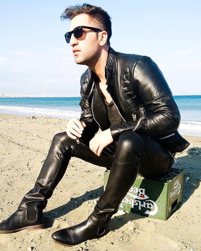 #instalike #instafashion #instaboy #leather #leatherfetish #leathergear…