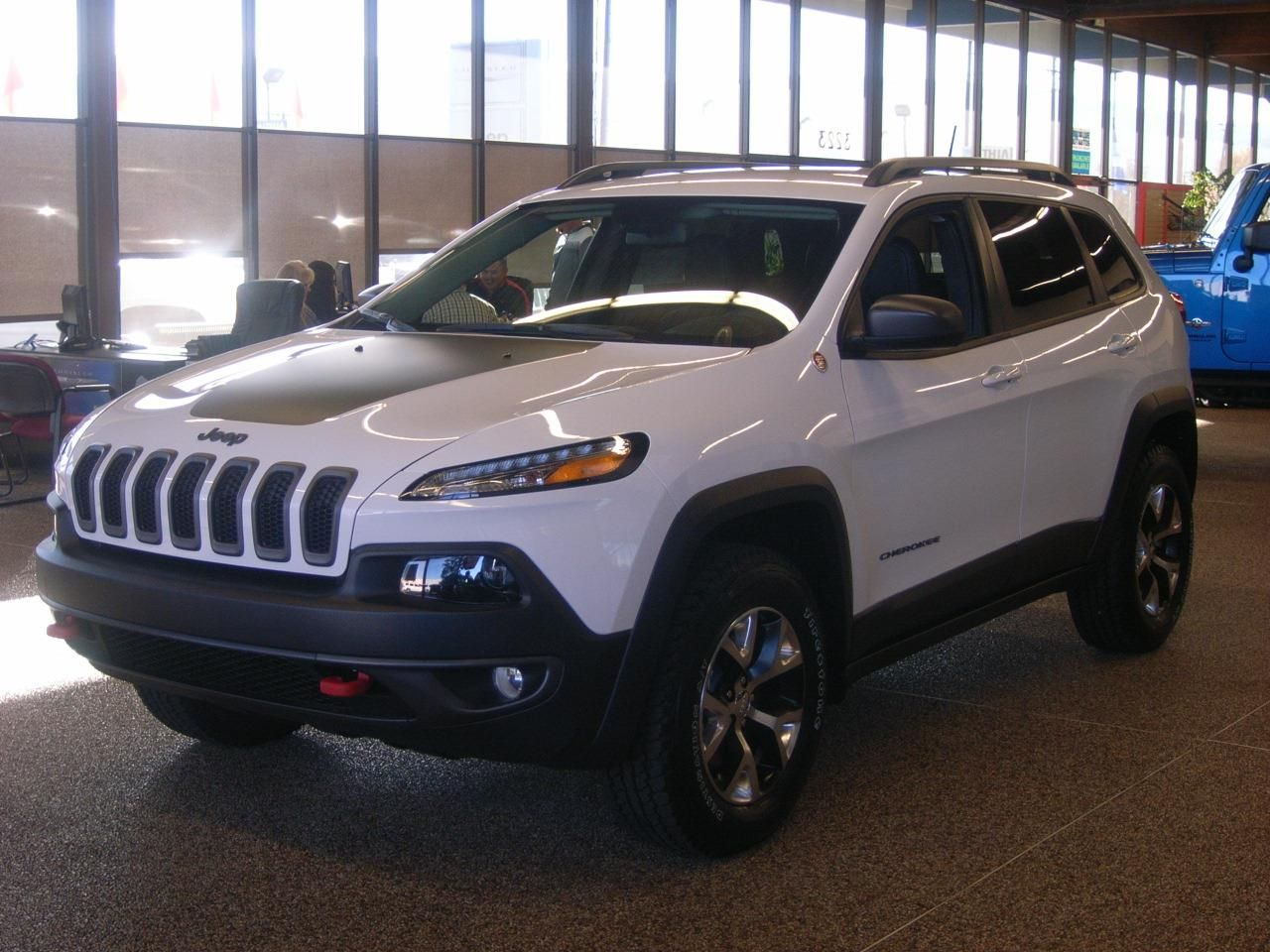 2014 jeep cherokee trailhawk 4x4 trailhawk 4dr suv suv 4 doors bright white clearcoat for sale. Black Bedroom Furniture Sets. Home Design Ideas