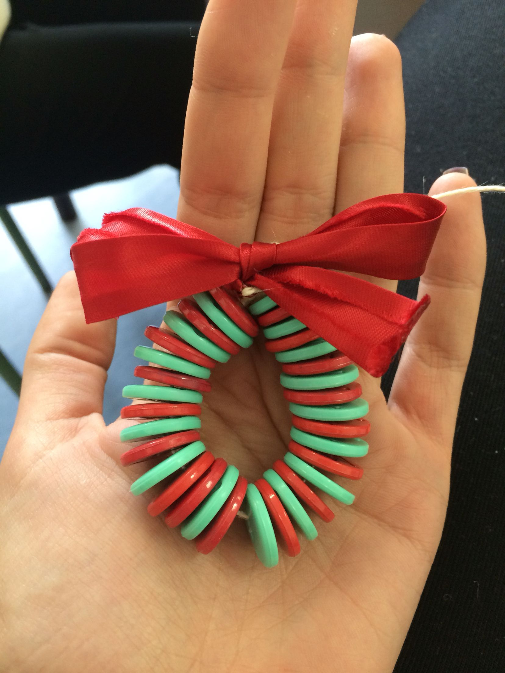 Lavoretti Di Natale Con I Bottoni.Addobbo Per Albero Di Natale Fatto Con Bottoni E Filo Di