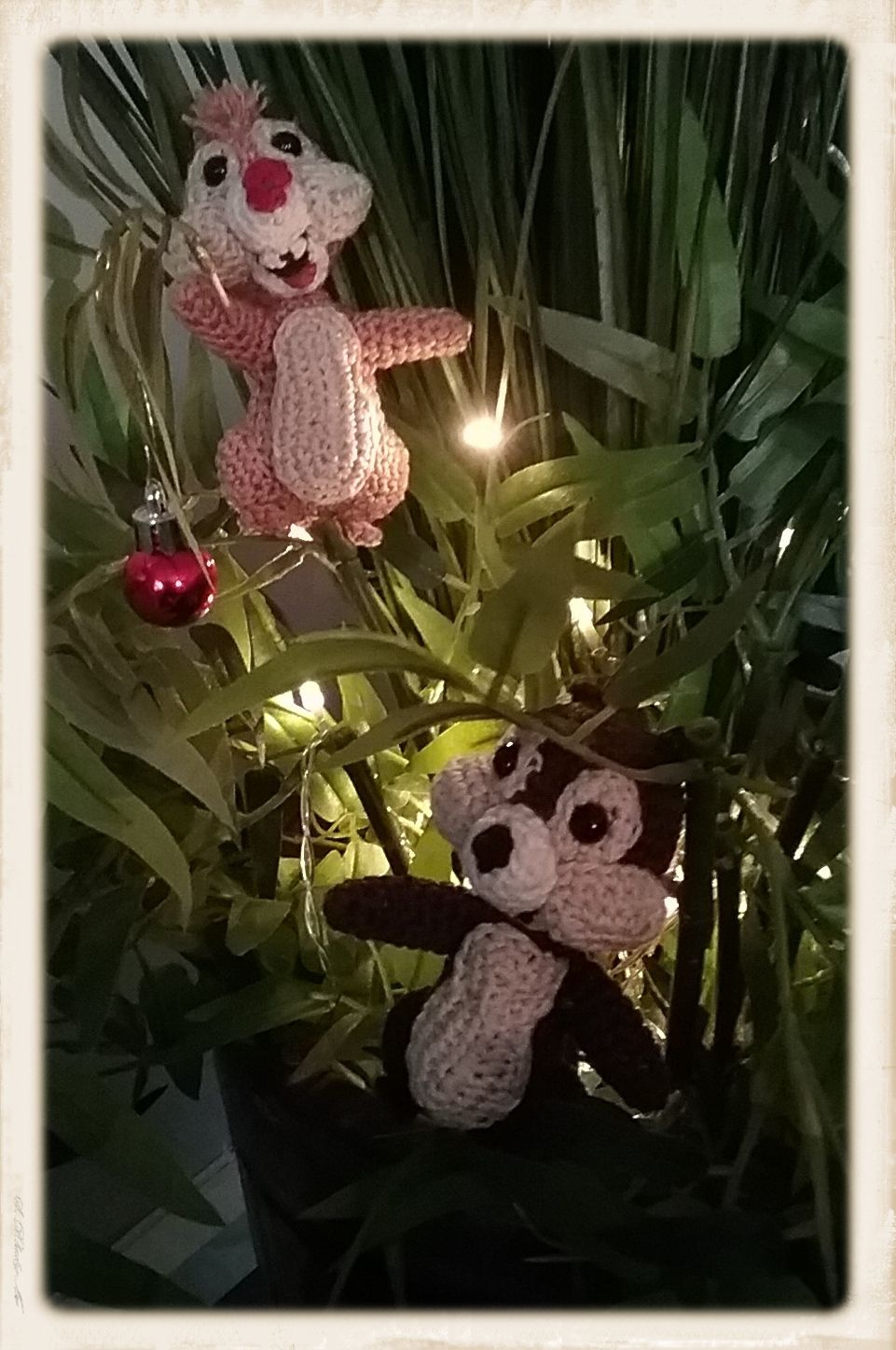 Chip and dale in the chirstmas tree pattern from