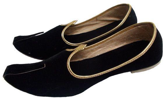 Handmade Black Velvet Mojari Men Flats