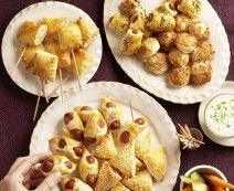 Bladerdeeghapjes met geitenkaas, walnoten en honing