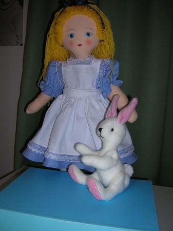 Free Doll Pattern Alice In Wonderland - Includes patterns for the doll, her clothes and rabbit with a full tutorial.