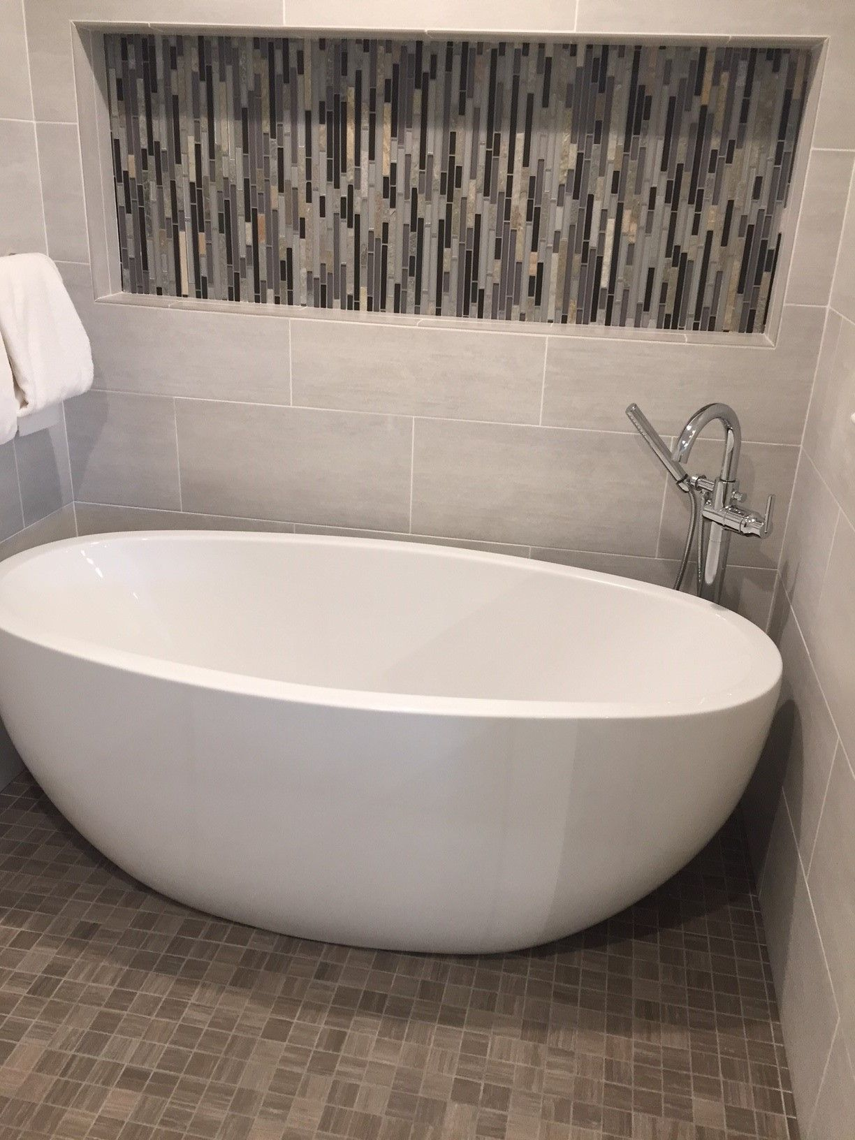 Contura ii featured at the metropolitan bath tile in upper marlboro