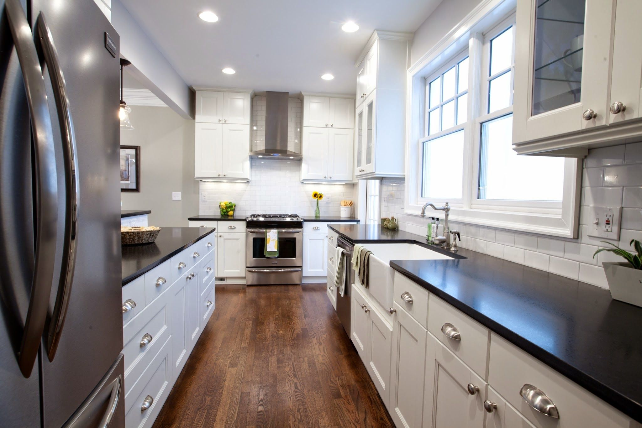 property brothers kitchen designs. Frigidaire Kitchen from Mindenhall Brothers Pin by Soraia Ten rio on  Pinterest Property brothers