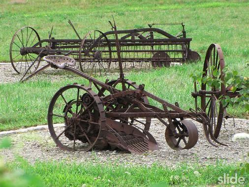 Fun Old Farming Tools Machines Old Farm Equipment Vintage Farm Farm Equipment