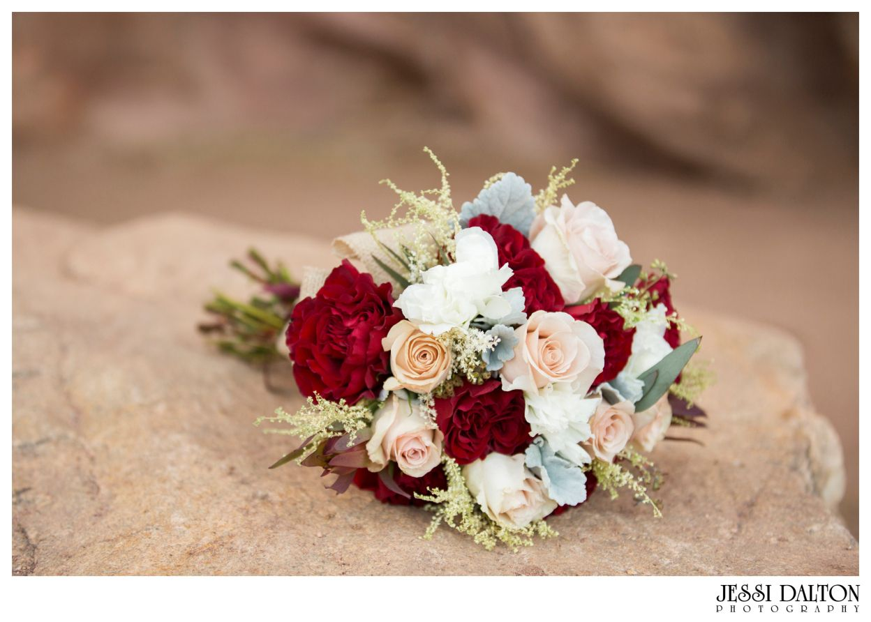 Styled Marsala Elopement at Red Rocks in Denver, Colorado | Marsala Bouquet for Fall | Jessi Dalton Photography | Colorado Wedding