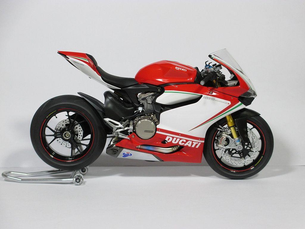 Finished Ducati Panigale 1199 Tricolore Automotive Forums Com