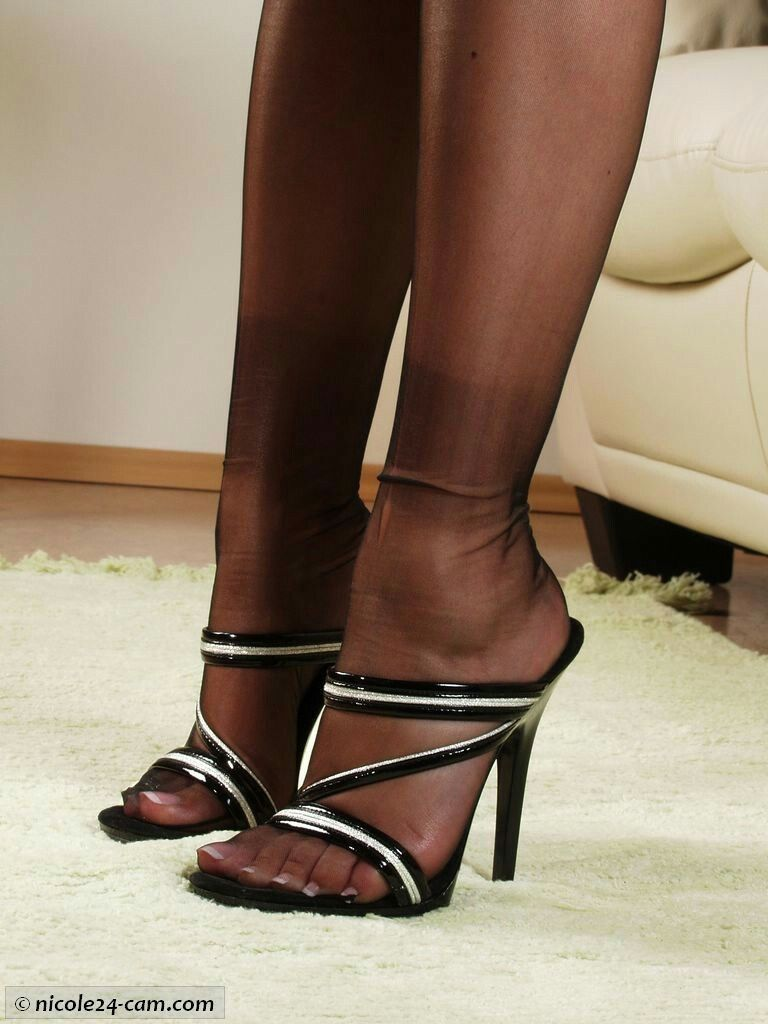 High heels und nylons