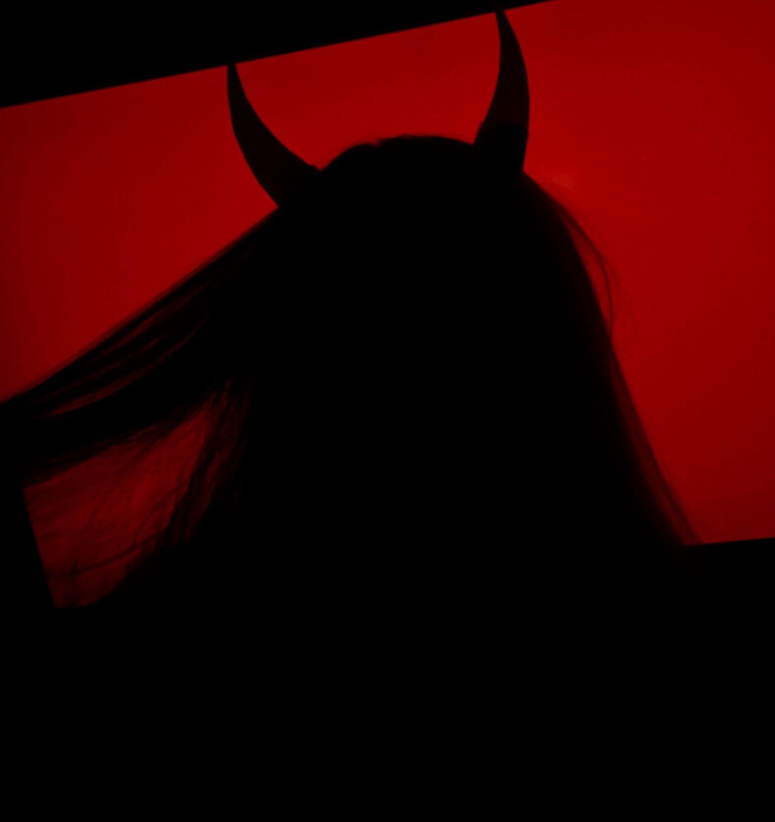 Grunge devil girl aesthetic | red | Red aesthetic grunge ...