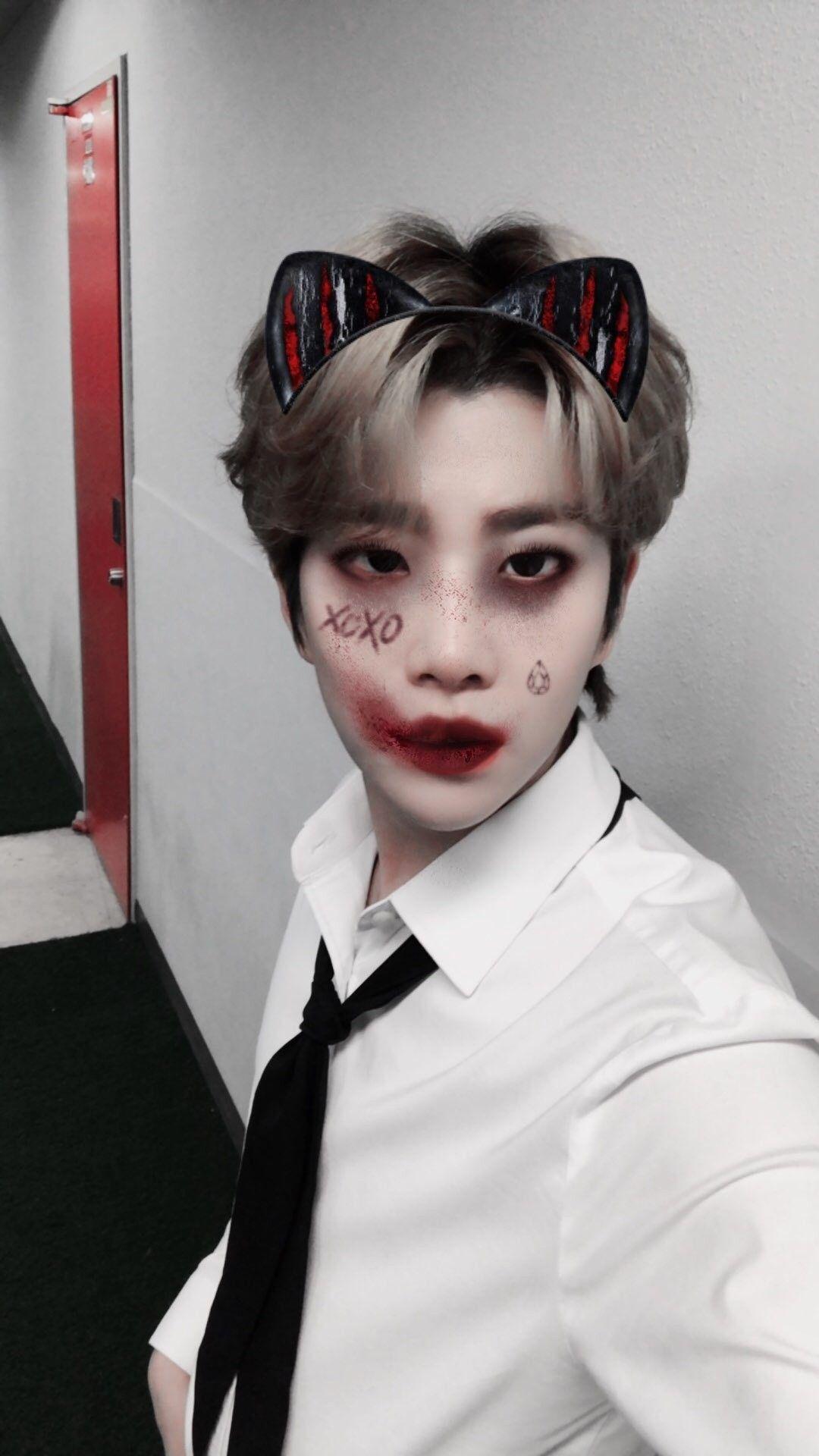 Pin By Kim Joker On Astro Astro Halloween Halloween Face Makeup