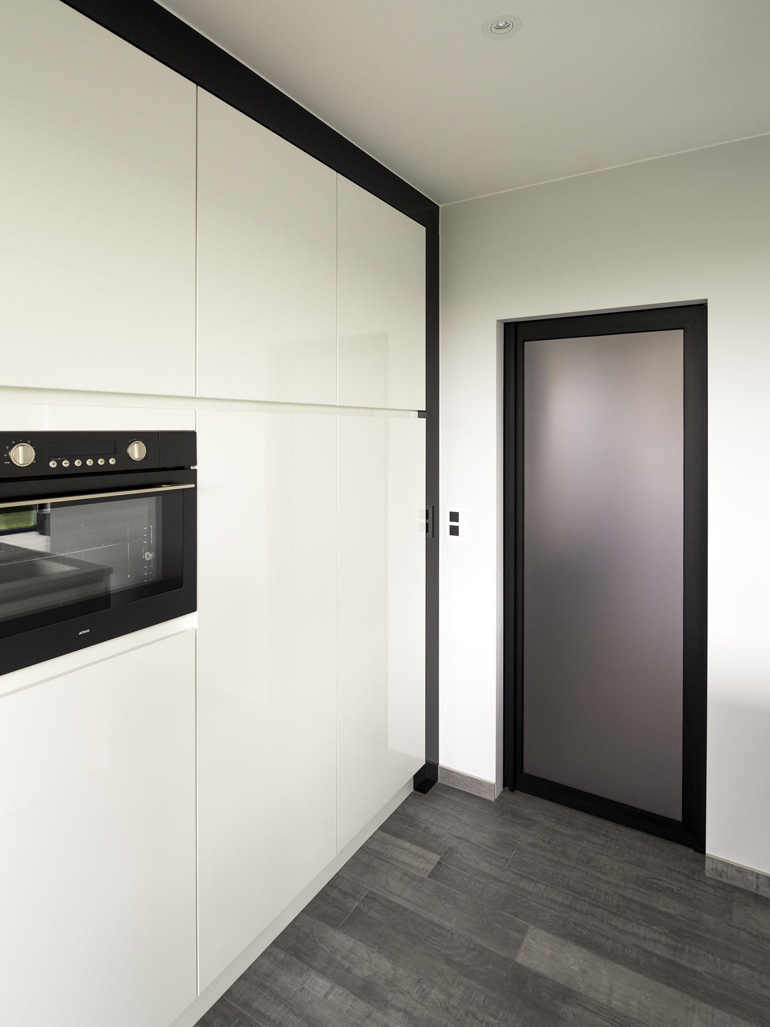 Mat Glazen Deur Met Zwart Aluminium Frame Steel Look Binnendeuren Glazen Deur Deuren Interieur