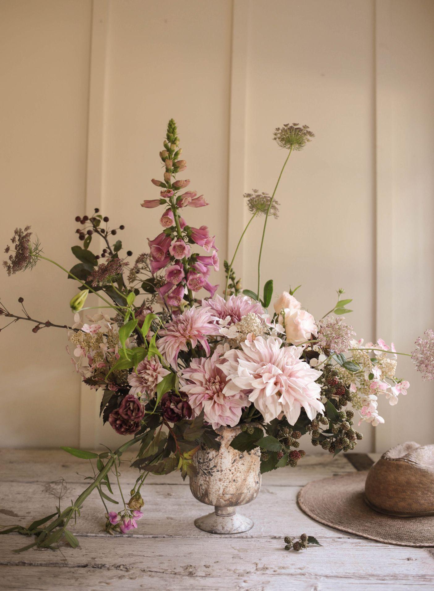 Late Summer Flower Guide Image Via Bhldn Blog Wedding