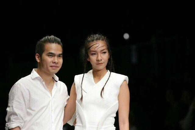 White??? WHY NOT! #JakartaFashionWeek2016 #BerrybenkaLovesJFW16 #JFW2016 #Day1