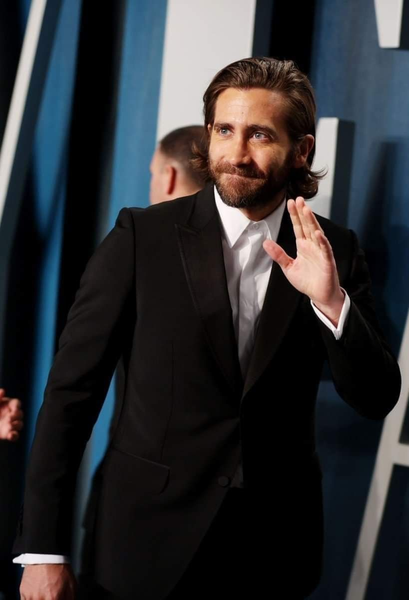 American Actors By Modern World On J Gyllenhaal In 2020 Jake Gyllenhaal Vanity Fair Oscar Party
