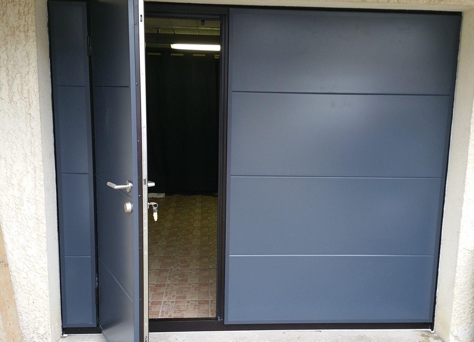 Porte Basculante Etanche Et Isolee Avec Portillon A2p Tuquet Porte Garage Garage Porte Basculante