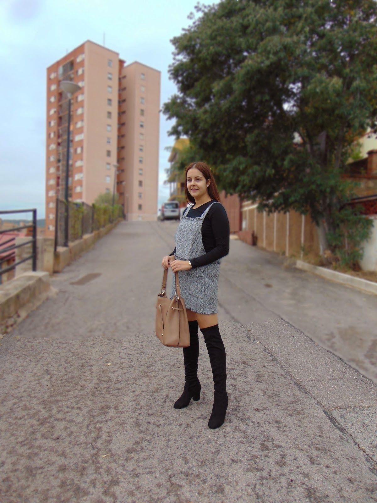 CÓMO COMBINAR UNAS BOTAS ALTAS NEGRAS Zara Cabañes Blog