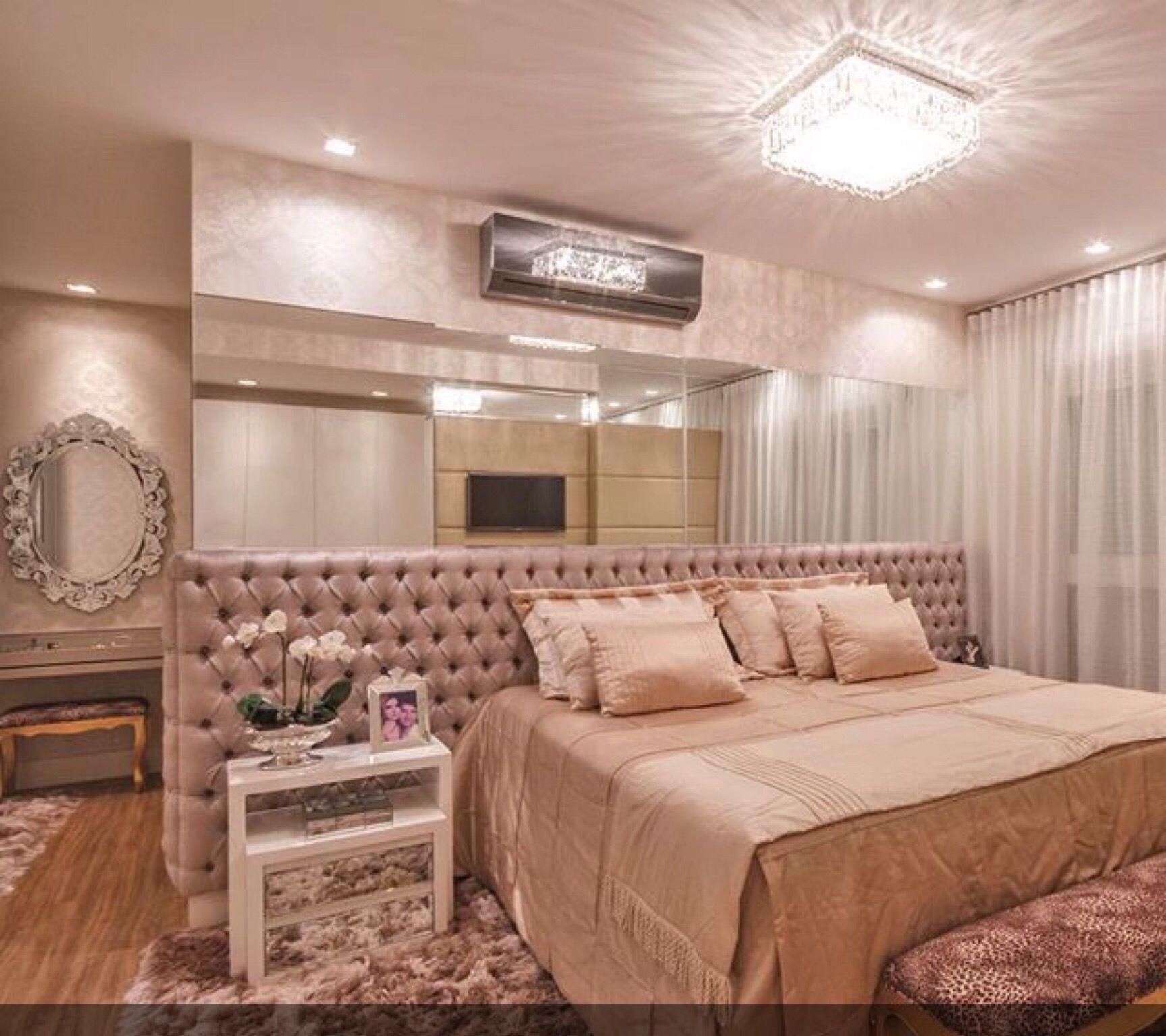 Apartamento Com Decora O Neutra E Toques De Dourado Maravilhoso  ~ Decoração De Quarto De Casal Luxo