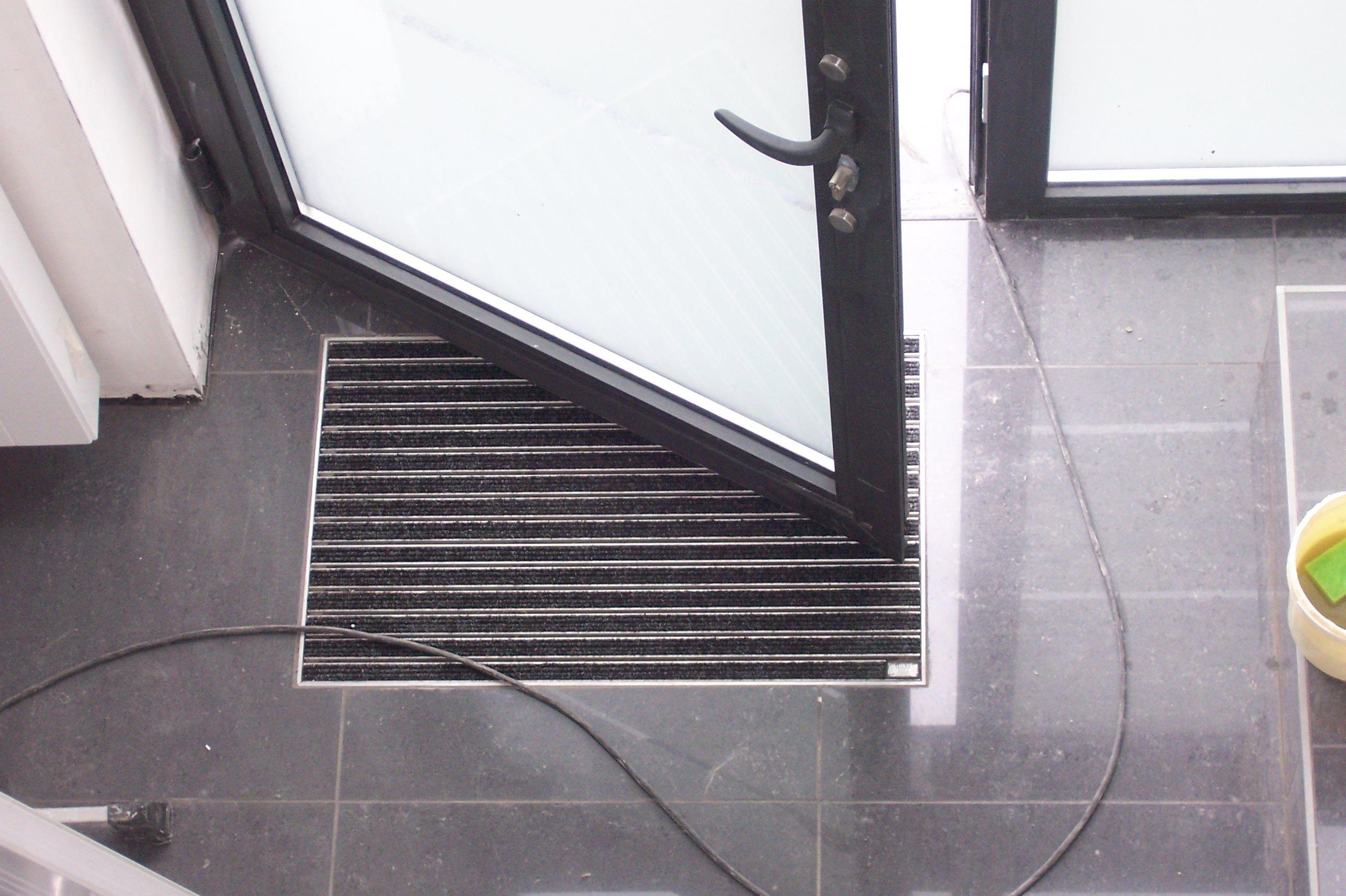 paillasson integre dans le carrelage google suche r no maison pinterest paillasson. Black Bedroom Furniture Sets. Home Design Ideas